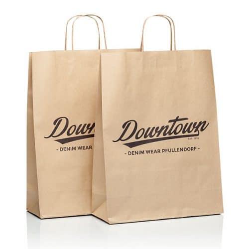 Zwei Papiertüten und Papiertaschen mit Downtown CI von CREATEAM PROMOTION